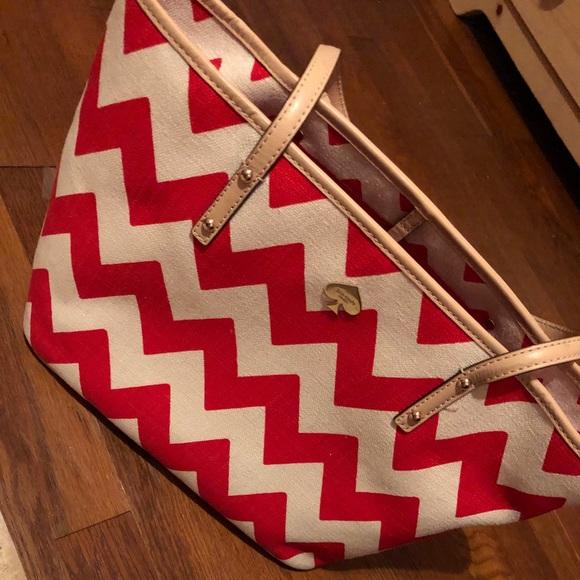 kate spade Handbags - Like NEW Kate Spade medium tote ♠️